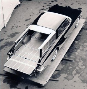 1959-Brook-Stevens-Olin-Aluminum-Scimitar-All-Purpose-Sedan-04