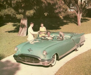 Oldsmobile_Starfire_Convertible_Show_Car_1