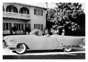 Oldsmobile_Starfire_Convertible_Show_Car_2