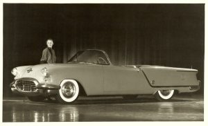 Oldsmobile_Starfire_Convertible_Show_Car_4