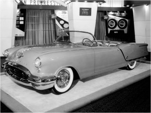 Oldsmobile_Starfire_Convertible_Show_Car_5