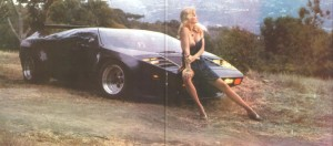 Vector_W2_Twin_Turbo_1988-89_Fashion-shots_02