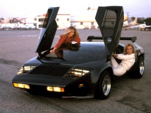 Vector_W2_Twin_Turbo_1988-89_Fashion-shots_10
