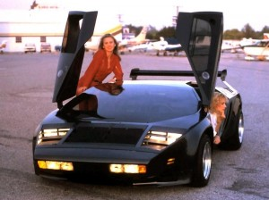 Vector_W2_Twin_Turbo_1988-89_Fashion-shots_11