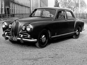 bmw 501 prototype 1 300x225 BMW 501 Prototype (1949)