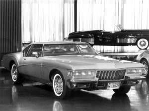 buick_riviera_silver_arrow_iii_concept_car_1