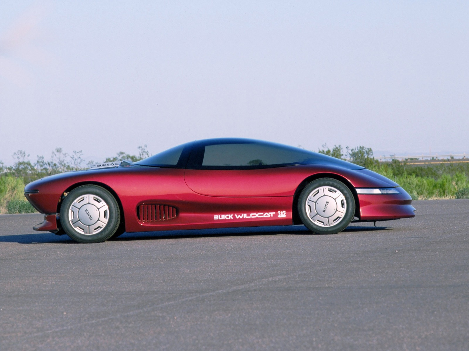 03EyesOnDesign Eyes On Design Buick_wildcat_concept_1  Buick_wildcat_concept_2. This Spectacular 1985 Buick Wildcat Concept Car ...