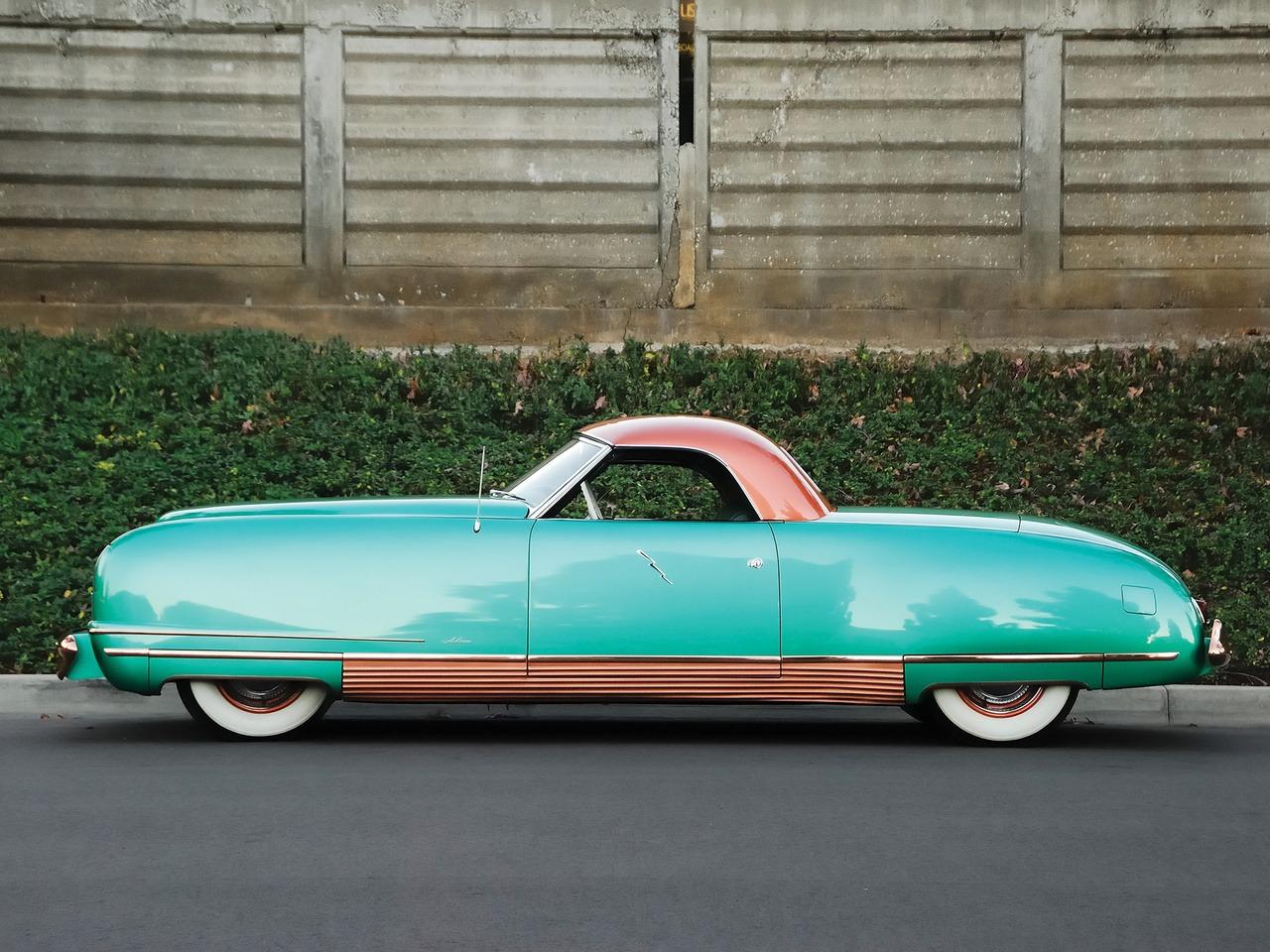 Chrysler Thunderbolt Concept Car on Renault 1940 Cars