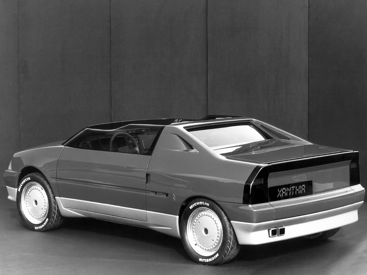 citro n xanthia concept 1986 old concept cars. Black Bedroom Furniture Sets. Home Design Ideas
