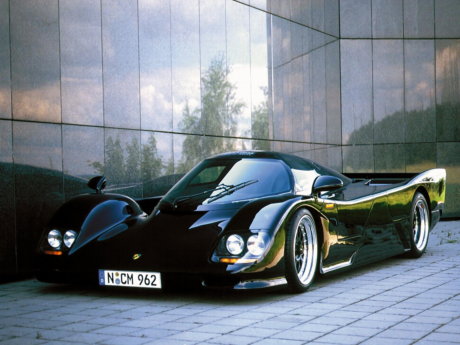 the fastest accelerating 0100kmph cars until 2000s