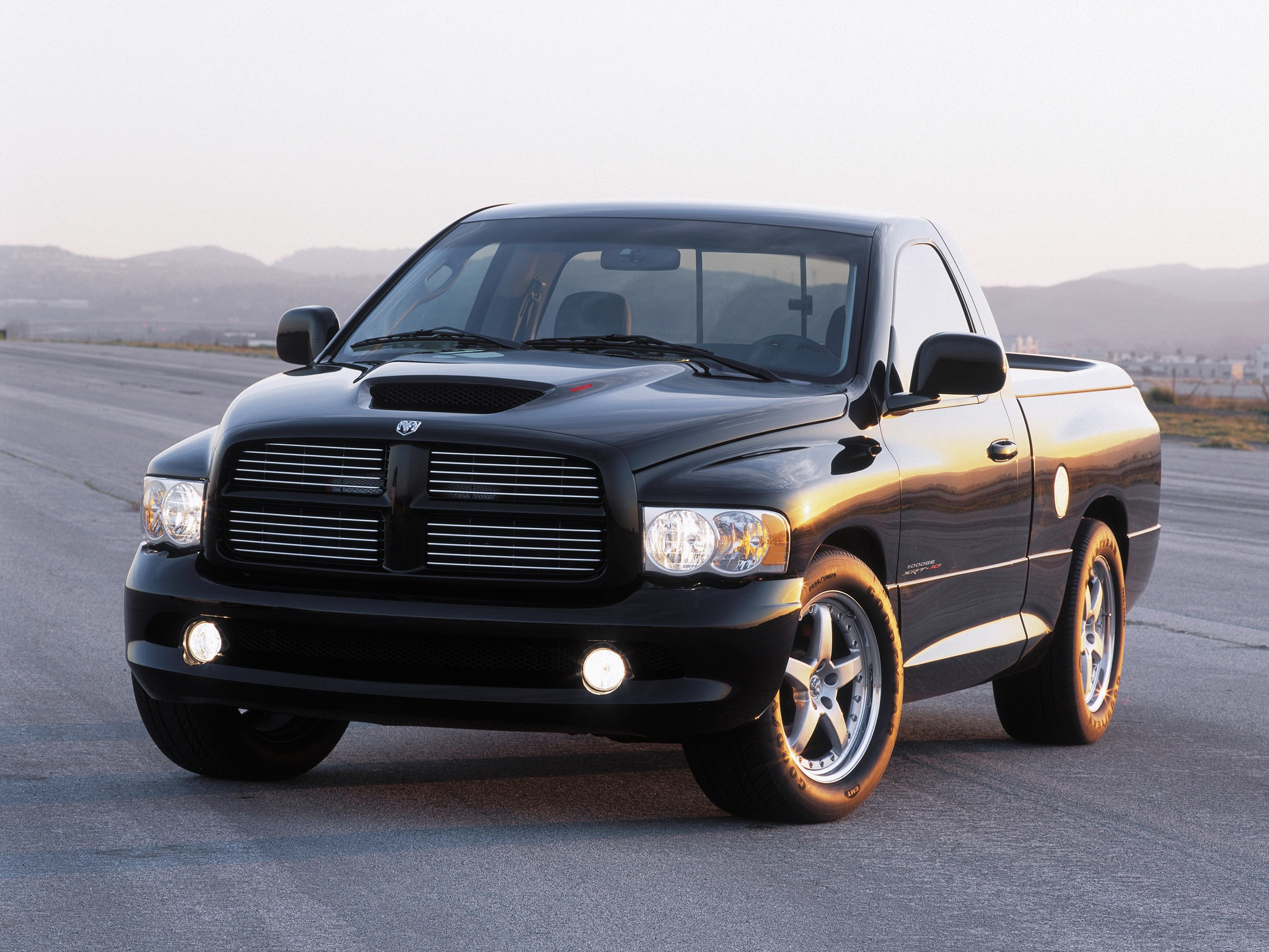 dodge ram srt10 concept 2002 old concept cars. Black Bedroom Furniture Sets. Home Design Ideas