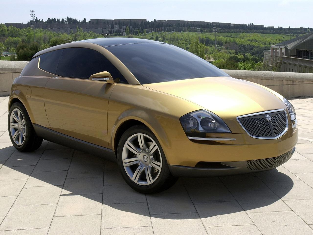 http://oldconceptcars.com/wp-content/uploads/lancia_granturismo_stilnovo_concept_13.jpg