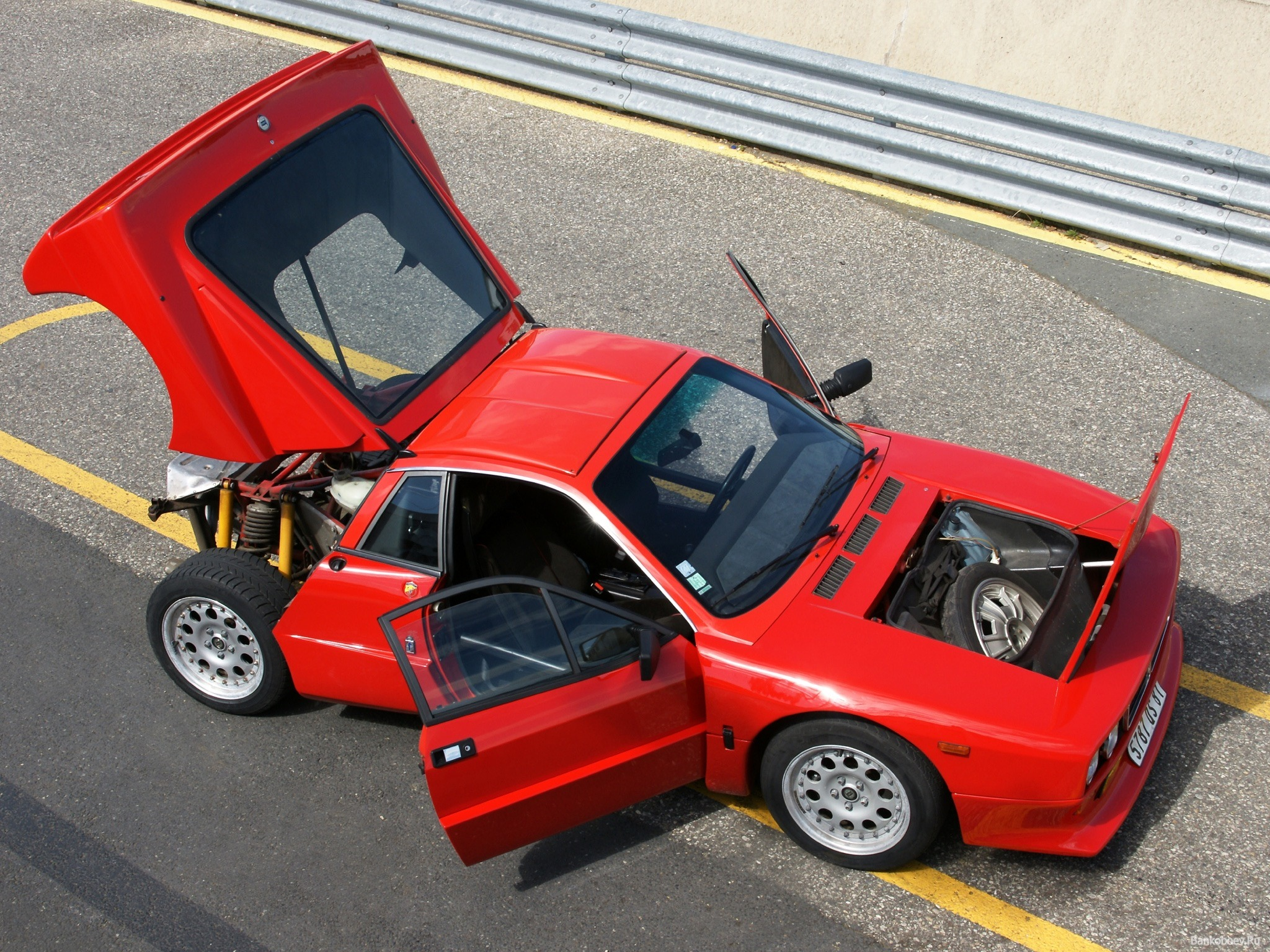 http://oldconceptcars.com/wp-content/uploads/lancia_rally_037_stradale_concept_3.jpg