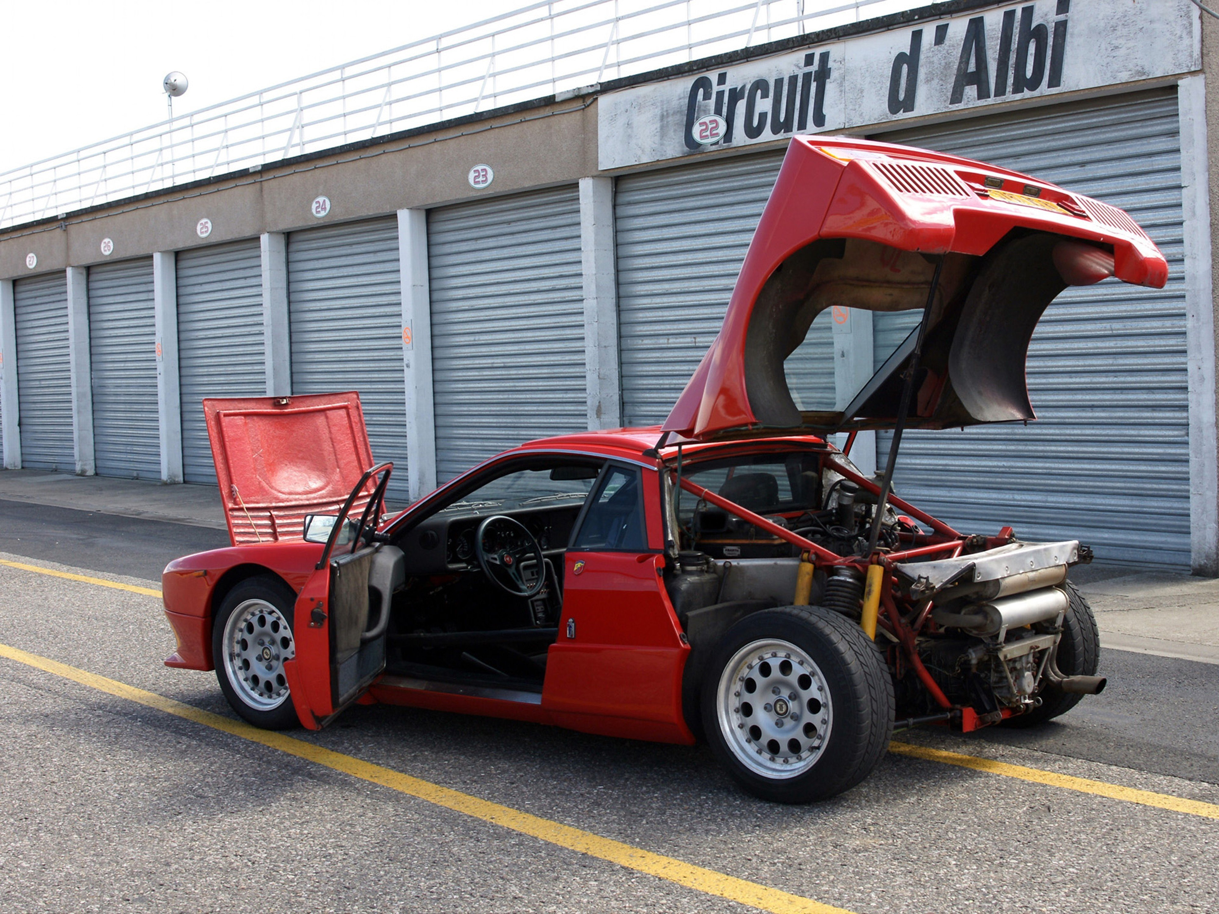 http://oldconceptcars.com/wp-content/uploads/lancia_rally_037_stradale_concept_8.jpg
