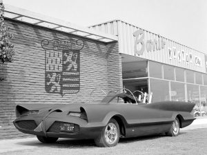 lincoln_futura_batmobile_by_barris_kustom_10
