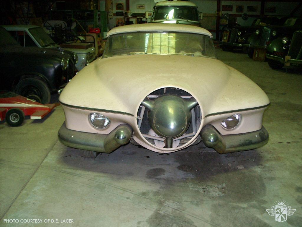 Manta ray concept car