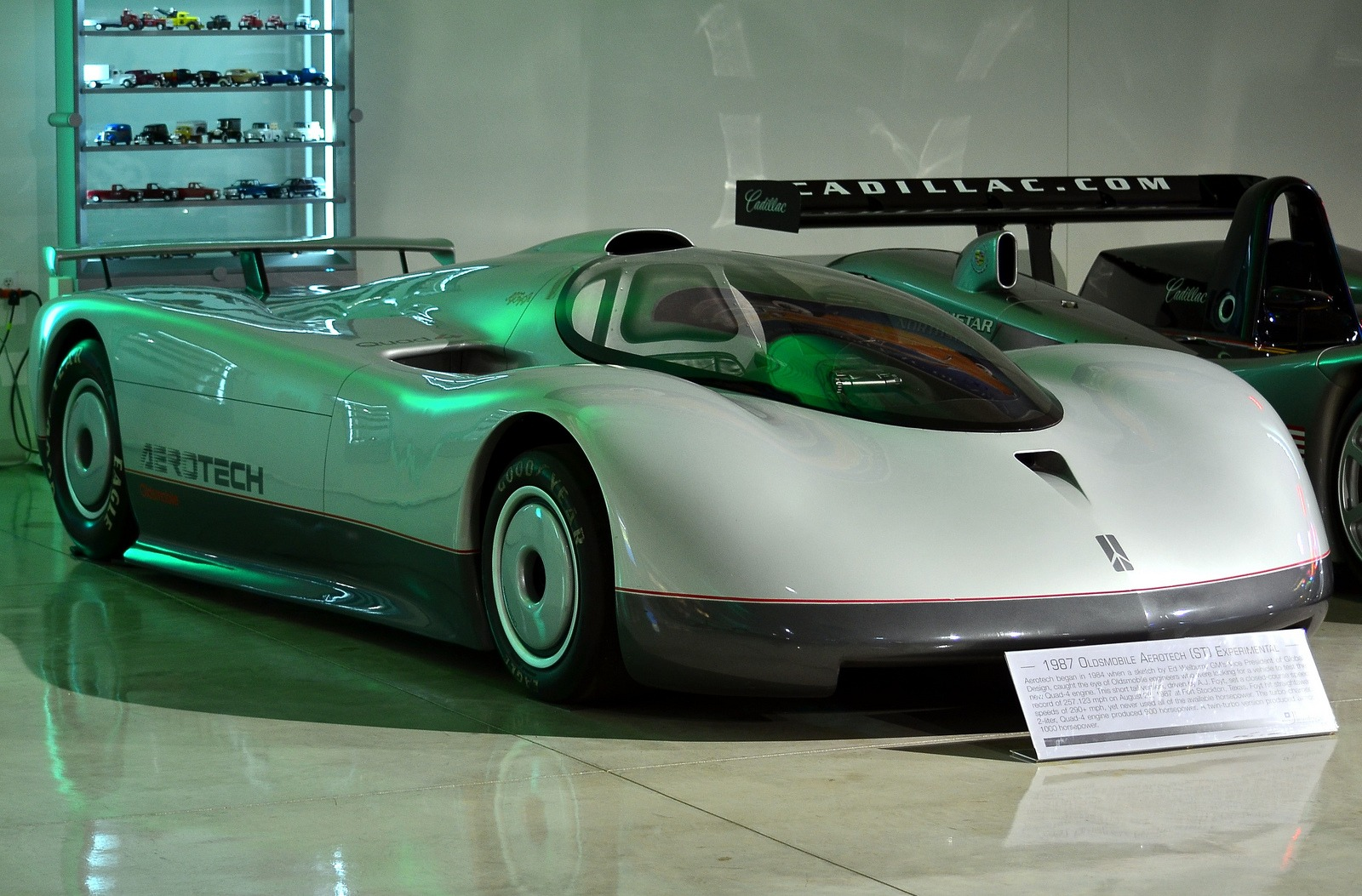 Top 5 Fastest Cars >> Oldsmobile Aerotech (1987-1992) - Old Concept Cars
