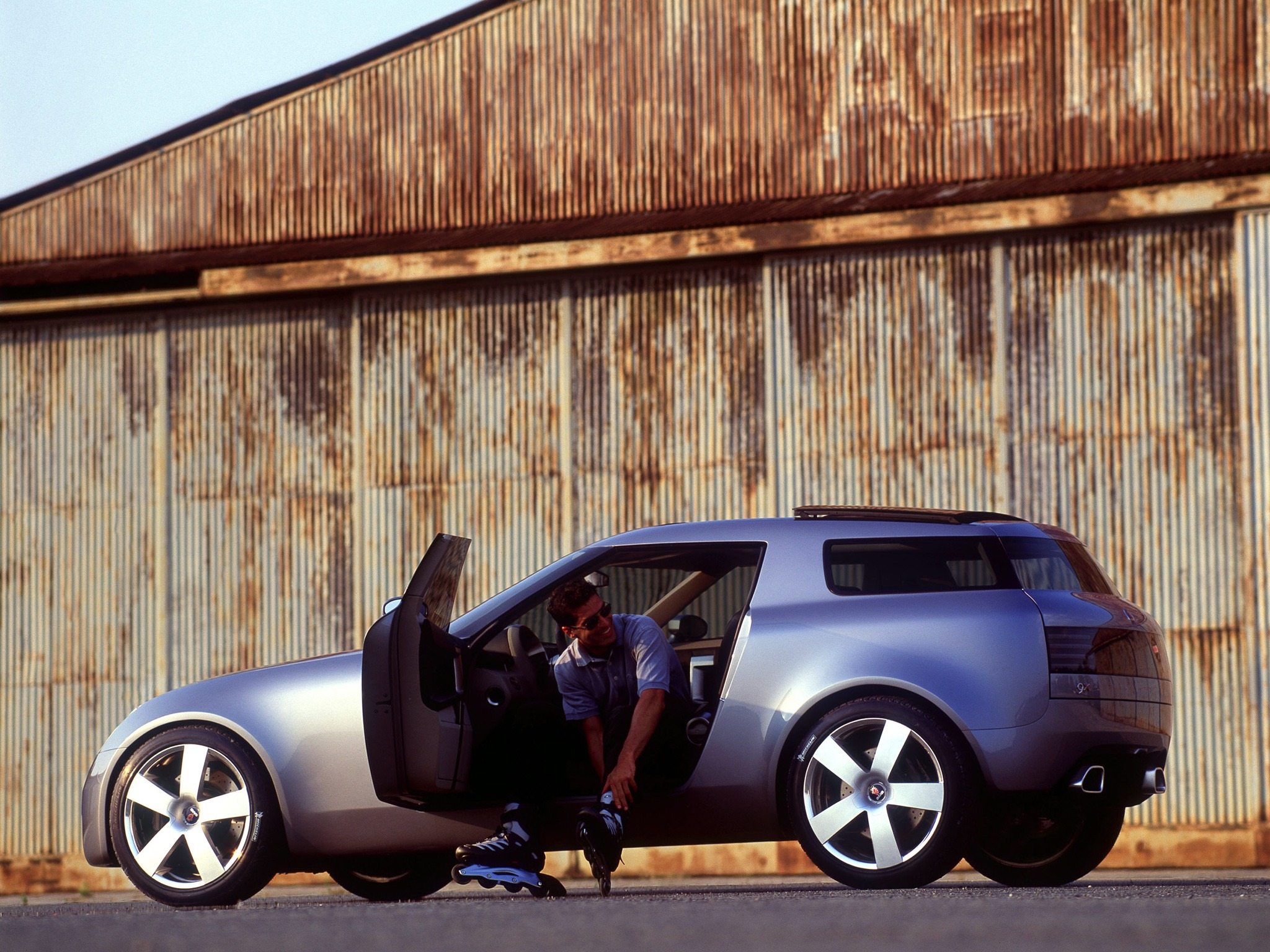 Volvo Near Me >> Saab 9X Concept (2001) - Old Concept Cars