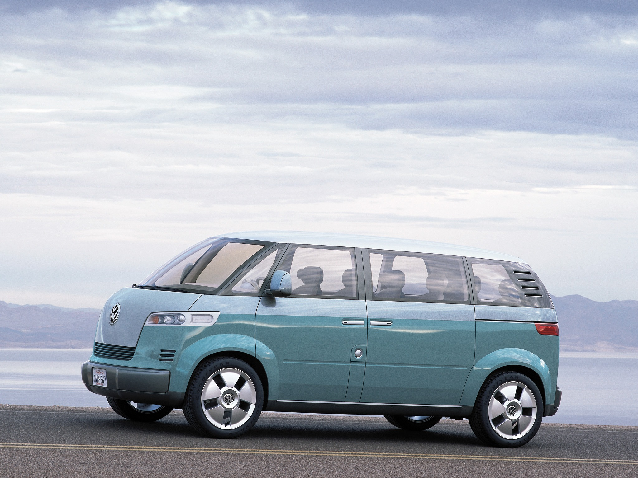 Volkswagen Microbus Concept (2001) – Old Concept Cars