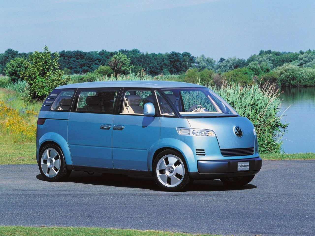 Toyota Trucks For Sale Near Me >> Volkswagen Microbus Concept (2001) - Old Concept Cars
