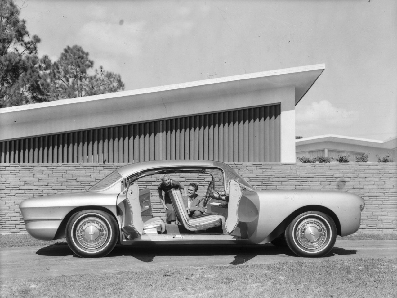 Chevrolet Biscayne Concept Car (1955) – Old Concept Cars