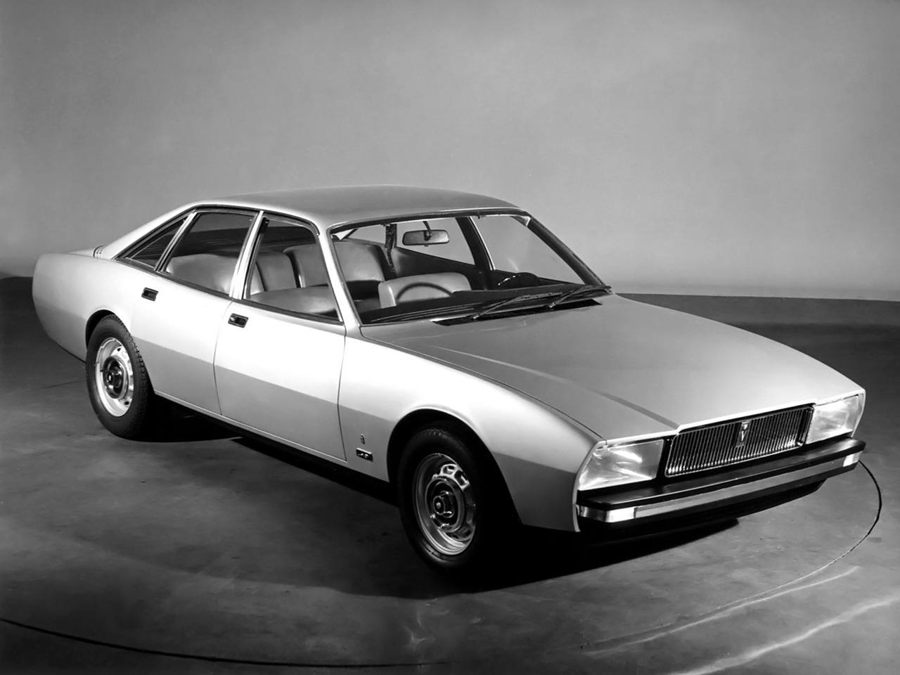Jaguar XJ12 PF (1974) - Old Concept Cars